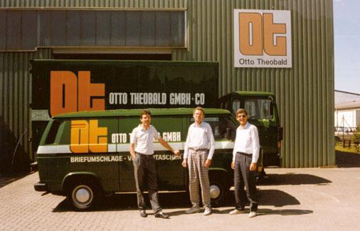 Briefumschlag-Lager und Firmenfahrzeuge in den 80er Jahren