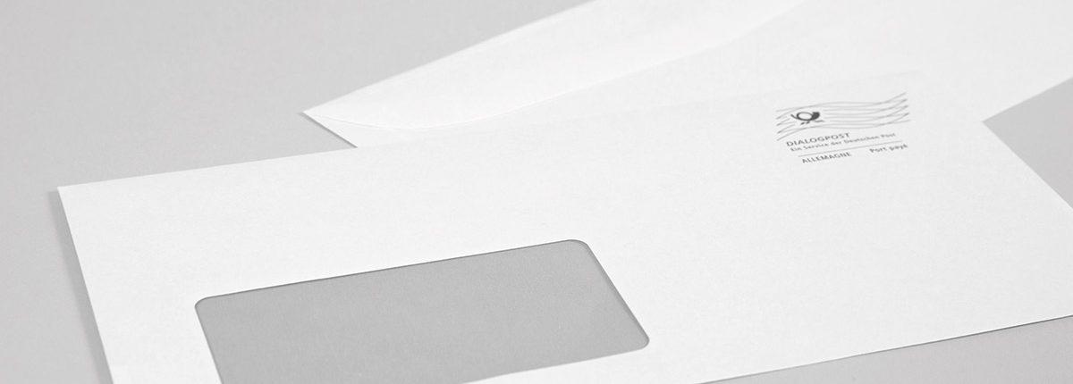 Weiße Kuvertierhüllen mit Dialogpostwelle