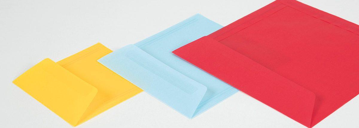 Farbige transparente Briefhüllen
